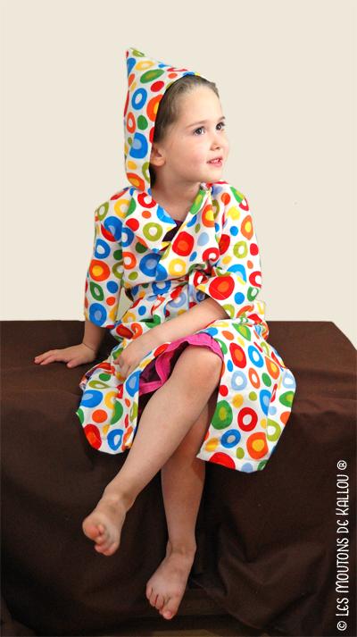 les robes de chambre des enfants le patron gagner. Black Bedroom Furniture Sets. Home Design Ideas